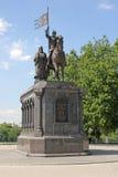 对弗拉基米尔一世・斯维亚托斯拉维奇和圣费多尔的纪念碑在弗拉基米尔 免版税图库摄影