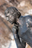 对弗拉基米尔Semyonovich Vysotsky的纪念碑在马加丹 免版税库存照片