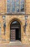 对我们的夫人教会的入口在布里曼 库存图片