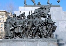 对战争的英雄的俄国纪念碑与拿破仑的 库存照片
