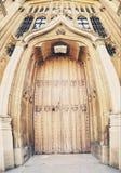 对拉德克利夫图书馆,牛津,英国的入口 免版税库存照片