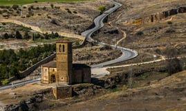 对教堂的高速公路 免版税库存图片