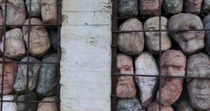 对斯大林主义抑制的受害者的纪念碑由雕刻家叶夫根尼丘巴罗夫的 股票录像