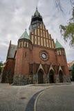 对新哥特式,福音派教会的入口 库存图片