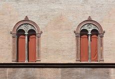 对新生Windows在波隆纳,意大利 免版税图库摄影
