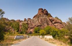 对方式的岩石 免版税库存照片