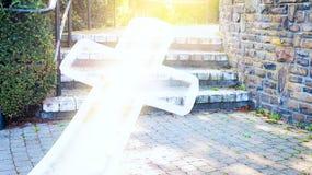 对方式的成功 耶稣十字架 库存照片