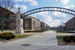 对普度大学未来曲拱的美丽的门户  免版税库存图片