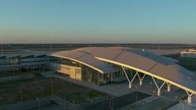 对普拉托夫机场终端的鸟瞰图  股票录像