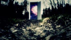 对未来的黑暗的木门 向空间的路 免版税图库摄影