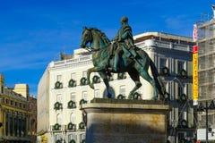 对查尔斯国王的纪念碑III,普埃尔塔del Sol,马德里 免版税库存照片