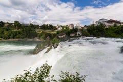 对欧洲最大的瀑布的看法  免版税图库摄影