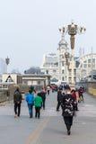对正阳门东铁驻地的游人步行 库存图片