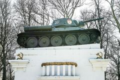 对死的战士的纪念碑第二次世界大战的 34 t坦克 库存图片
