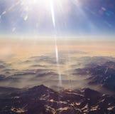 对比利牛斯的山的看法 库存图片
