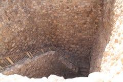 对水工厂废墟的台阶, Tel啤酒舍瓦,以色列 库存图片