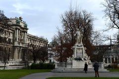 对沃尔夫冈・阿马德乌・莫扎特的纪念碑Burggarten的在维也纳 免版税库存照片