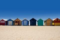 对沐浴配件箱的布赖顿海滩的澳洲浏览 免版税库存照片