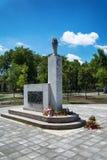 对法西斯主义的恐怖的全国解放战争时期和受害者的下落的战斗机的纪念碑在Somb 免版税库存照片