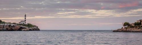 对波尔图Colom,马略卡,西班牙港口的入口  免版税图库摄影