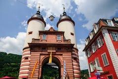 对海得尔堡,德国老桥梁的门  免版税库存图片