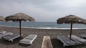 对海滩的步行圣托里尼 影视素材