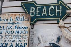 对海滩的这个方式。 免版税库存照片