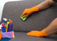 对清洗的服务工作者质量专业做的家c的时间 图库摄影