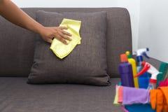 对清洗的服务工作者质量专业做的家c的时间 库存图片