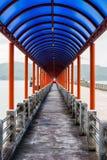 对港口的步行 免版税库存图片