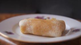 对狂欢节的烘烤的薄煎饼 影视素材