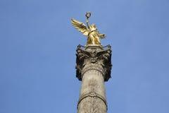 对独立的天使纪念碑在墨西哥DF 免版税库存照片