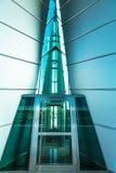 对现代大厦的入口 免版税库存图片