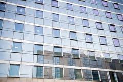 对玻璃钢青色背景的全景和透视广角视图  免版税图库摄影