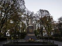 对瓦图京将军的美丽的纪念碑 免版税库存照片