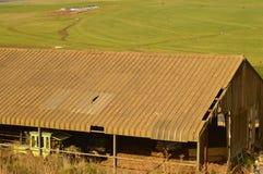 紧贴对生活的谷仓 非洲种田 免版税库存照片