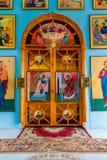 对用在基督的图象装饰的圣所的木门 库存图片