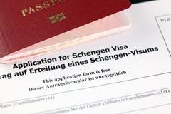 对申根签证和护照的申请 免版税库存照片
