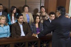 对的律师陪审员演讲 库存图片