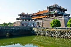 对皇家封入物的门 皇家的城市 Hué 越南 免版税库存图片