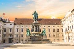 对皇帝弗朗兹约瑟夫的纪念碑我旅馆der的布尔格在维也纳,奥地利 库存照片