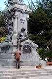 对福纳多麦哲伦的一座纪念碑在蓬塔阿雷纳斯 库存照片