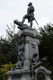 对福纳多麦哲伦的一座纪念碑在蓬塔阿雷纳斯 免版税图库摄影