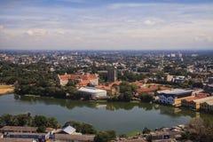 对科伦坡-斯里兰卡的郊区的看法 免版税库存图片