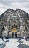 对科隆大教堂的入口,德国 免版税库存图片