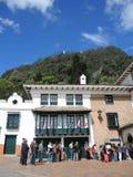 对空中览绳的入口对Monserrate山。 库存照片