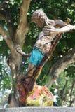 对第二次世界大战的受害者的一座纪念碑在巴拉望岛海岛上的在普林塞萨港,菲律宾 免版税库存图片