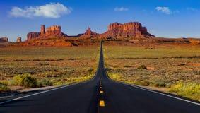 对纪念碑谷的高速公路163 库存图片