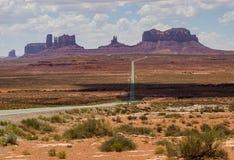 对纪念碑谷的高速公路163 免版税库存照片