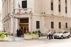 对纽约证券交易所的入口在曼哈顿 免版税库存照片